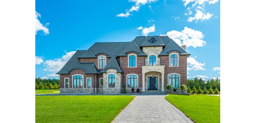 19 Pleasant Valley Dr, Stouffville - Sensational New Stone & Brick Home