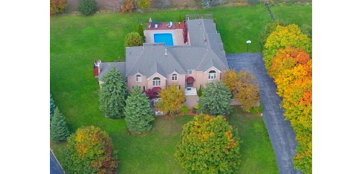 69 Raeview Drive, Stouffville - Grand Executive Estate Offering 8,000 Sq Ft of Living Space, 2 Kitchens, 4.5 Car Garage. Pie Shape 1 Acre Lot